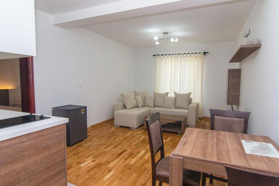 http://hotelturist.rs/hotel/wp-content/uploads/2014/10/hotel-turist-apartmani-bajina-basta-5.jpg
