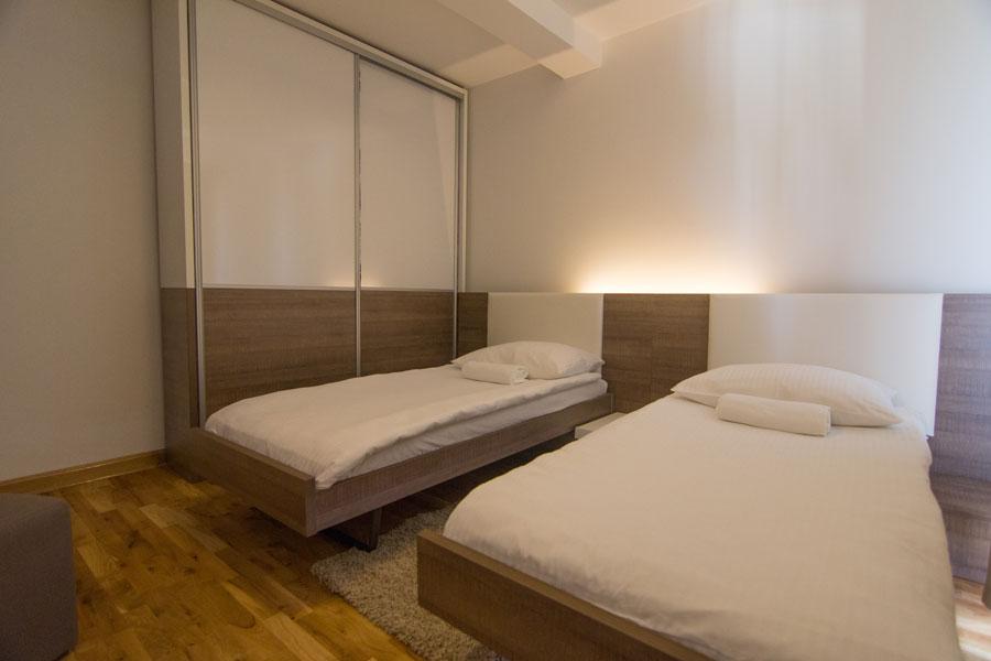 http://hotelturist.rs/hotel/wp-content/uploads/2014/10/hotel-turist-apartmani-bajina-basta-9.jpg