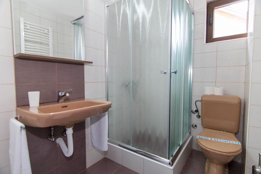 http://hotelturist.rs/hotel/wp-content/uploads/2014/11/hotel-turist-bajina-basta-12.jpg