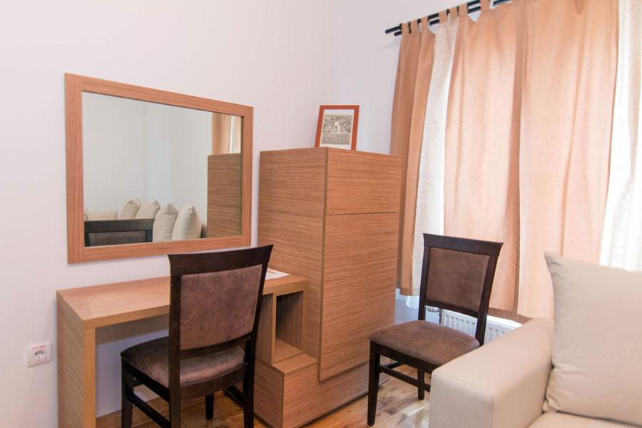 http://hotelturist.rs/hotel/wp-content/uploads/2014/11/hotel-turist-bajina-basta-4.jpg