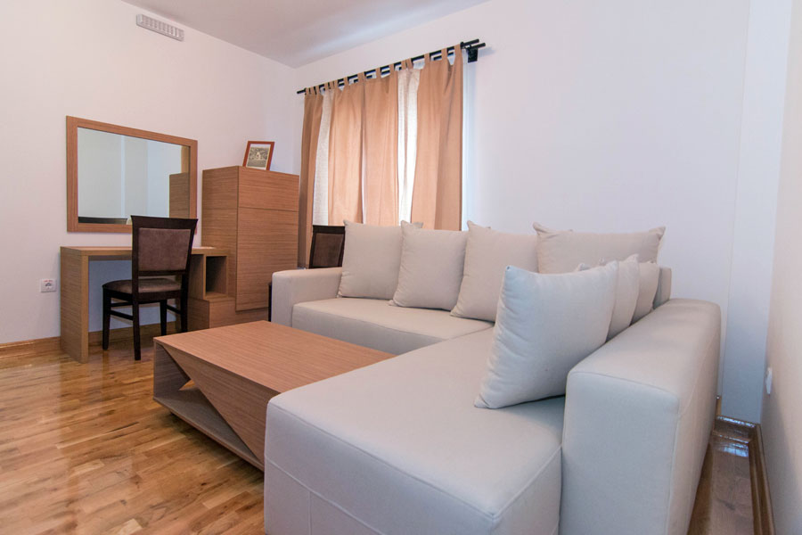 http://hotelturist.rs/hotel/wp-content/uploads/2014/11/hotel-turist-bajina-basta-5.jpg