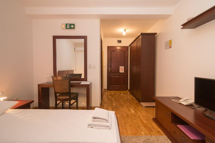http://hotelturist.rs/hotel/wp-content/uploads/2019/02/hotel-turist-bajina-basta-smestaj-3-2.jpg