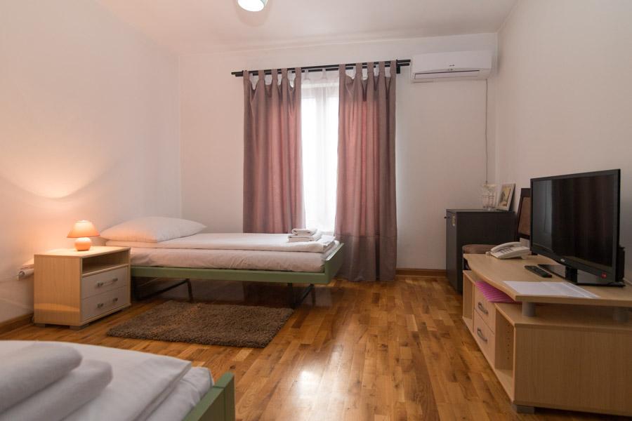 http://hotelturist.rs/hotel/wp-content/uploads/2019/02/hotel-turist-bajina-basta-smestaj-3.jpg
