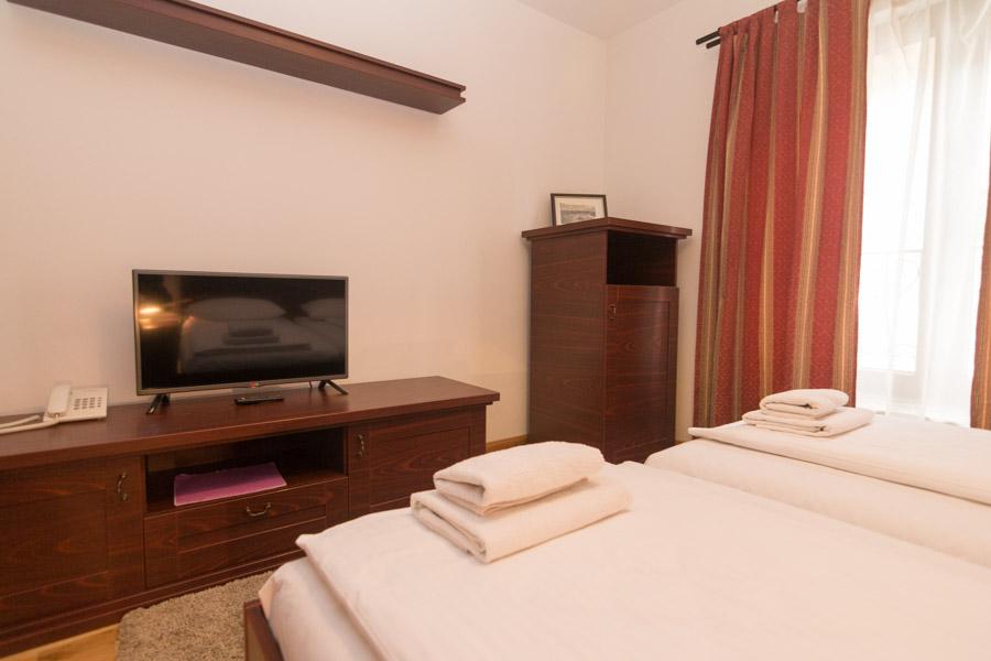 http://hotelturist.rs/hotel/wp-content/uploads/2019/02/hotel-turist-bajina-basta-smestaj-4-2.jpg