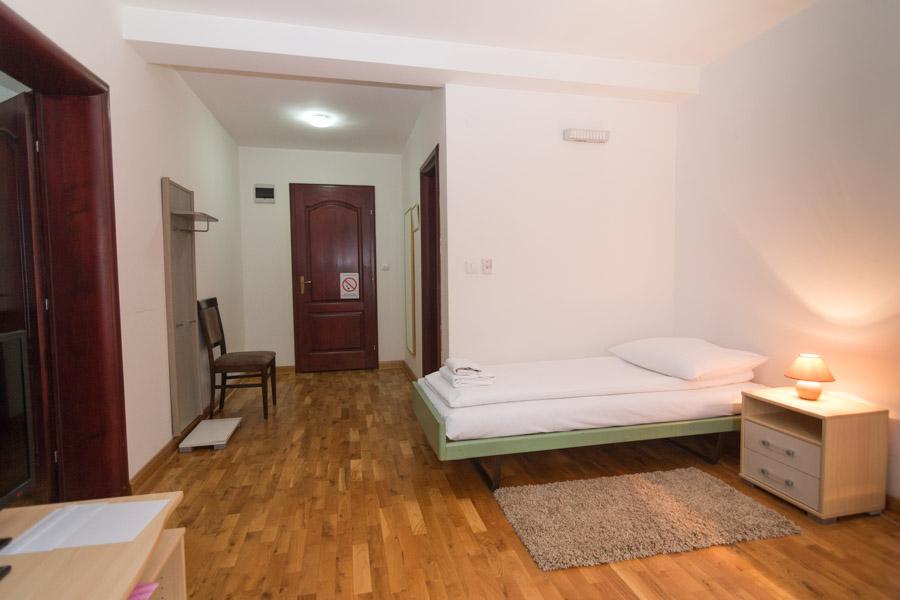 http://hotelturist.rs/hotel/wp-content/uploads/2019/02/hotel-turist-bajina-basta-smestaj-4.jpg