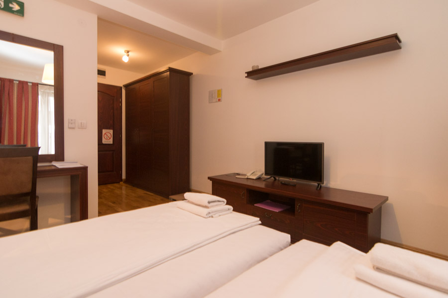 http://hotelturist.rs/hotel/wp-content/uploads/2019/02/hotel-turist-bajina-basta-smestaj-5-2.jpg