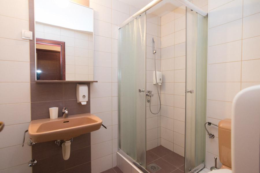 http://hotelturist.rs/hotel/wp-content/uploads/2019/02/hotel-turist-bajina-basta-smestaj-9-2.jpg